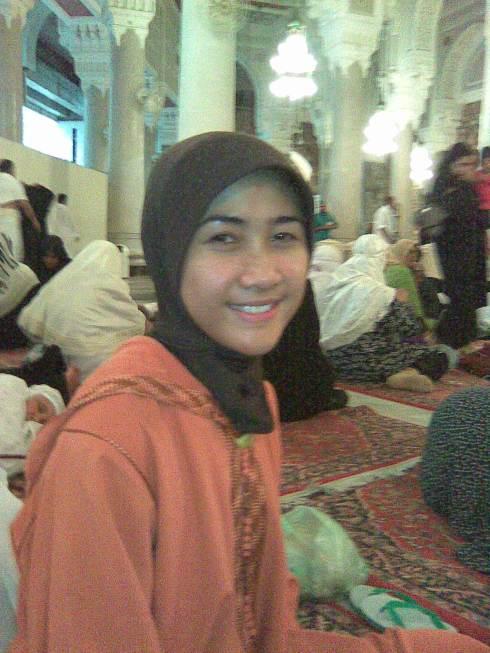 menjelang subuh di Masjidil Haram (10 malam terakhir Ramadhan 1428 H) *matanya ngantuuuuk*